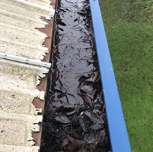 Commercial-Gutter-Clearance-Wakefield