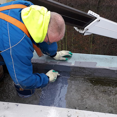 5 Benefits of Commercial Gutter Cleaning Services