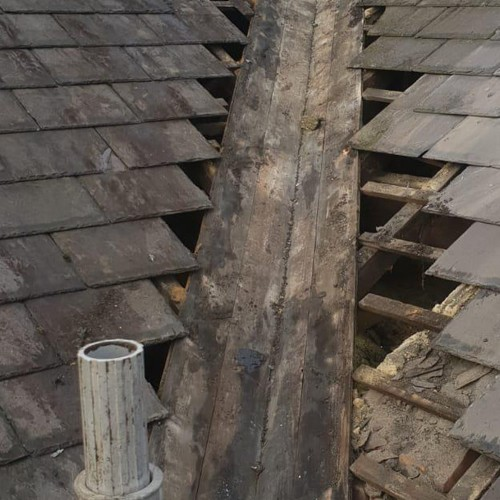 4-Problems-That-Might-Be-Caused-by-Your-Roof